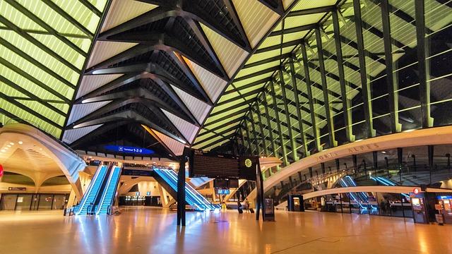 osvětlené letiště