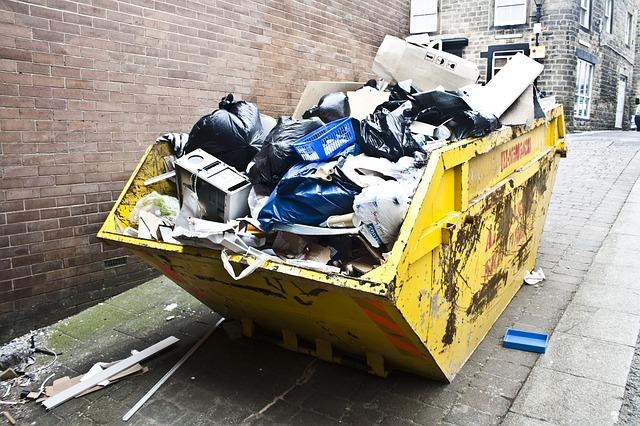 kontejner s odpadem.jpg