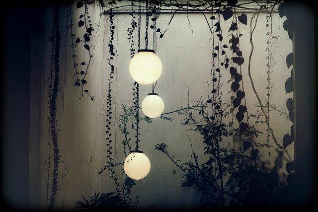 závěsný venkovní osvětlení
