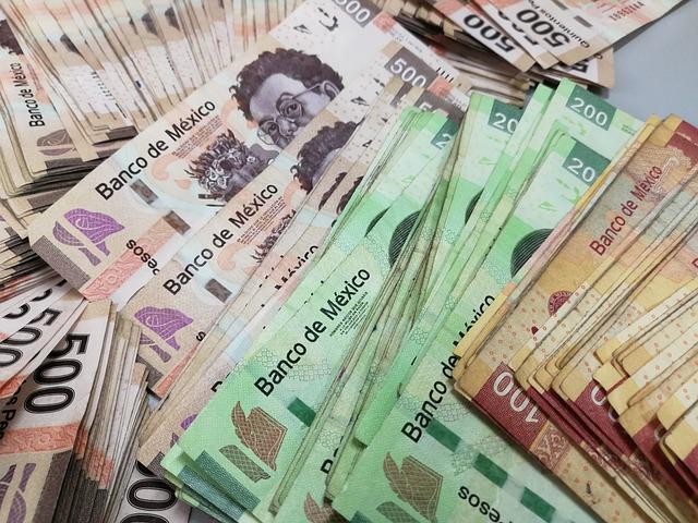 mexické bankovky, velké množství