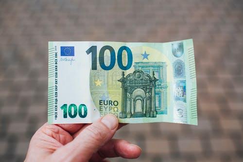 peníze bankovka